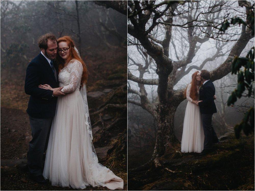 ashlyn-aaron-craggy-gardens-asheville-foggy-elopement_0065.jpg
