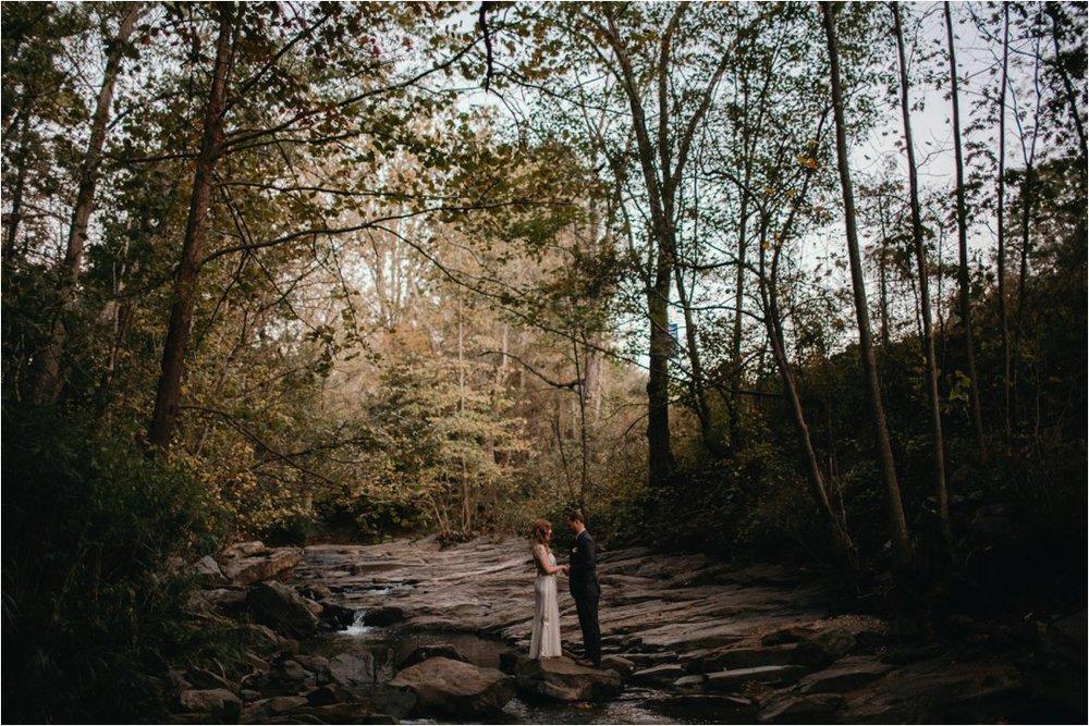 autumn-asheville-botanical-gardens-elopement_0037.jpg