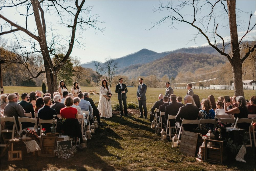 fields-blackberry-cove-spring-wnc-asheville-wedding_0034.jpg