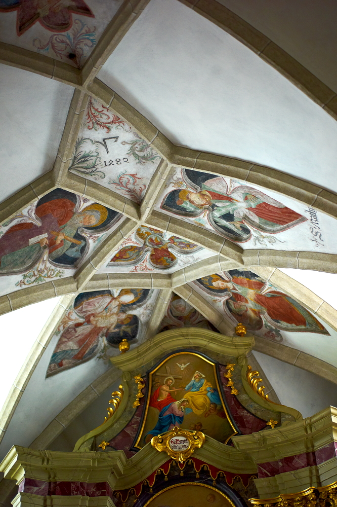 Kirchen_in_Südtirol_L1021401.jpg