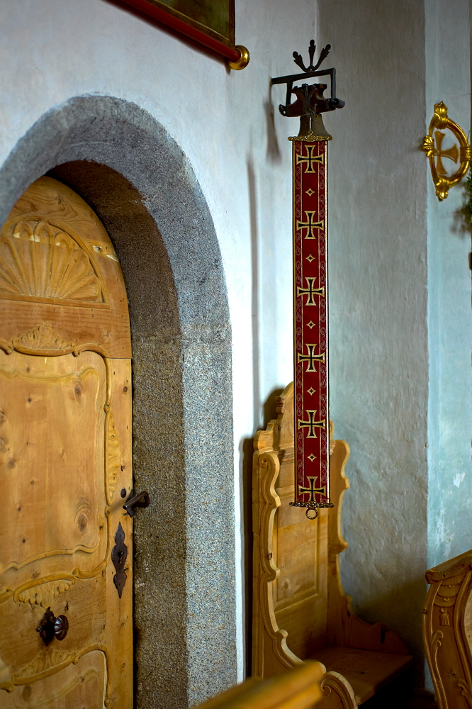Kirchen_in_Südtirol_L1021415.jpg