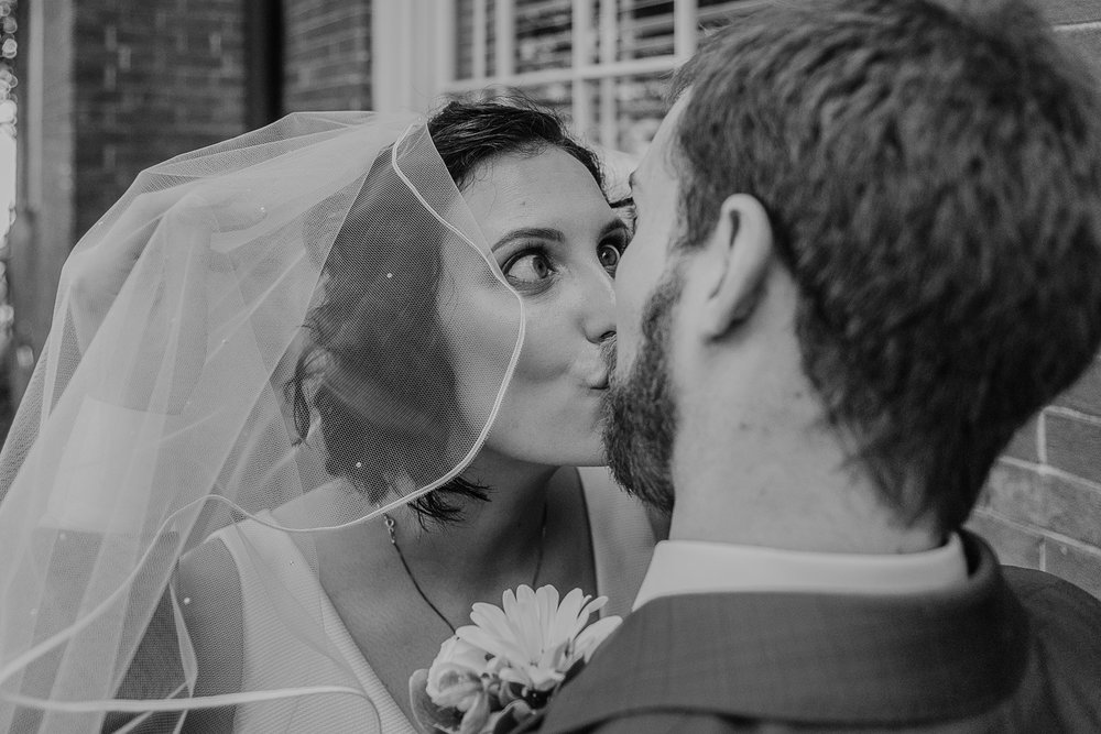 060-annapolis_courthouse_wedding.jpg