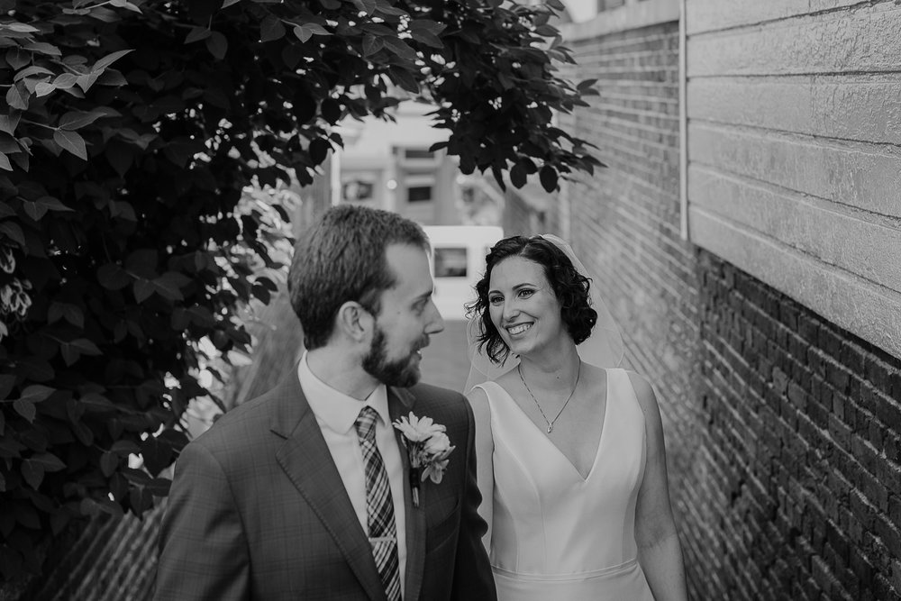 066-annapolis_courthouse_wedding.jpg