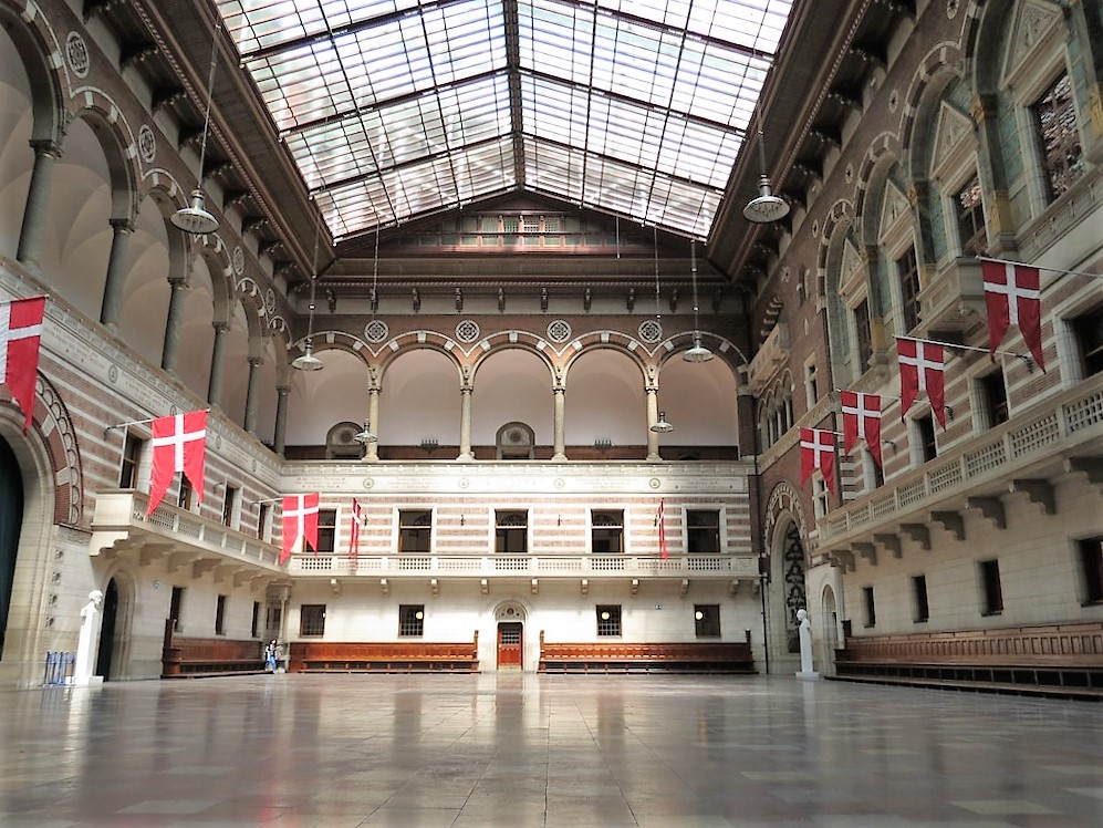 Copenhagen_City_Hall_interior.jpg