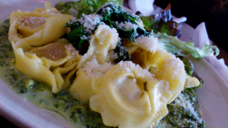 Masove tortellini so spenatom