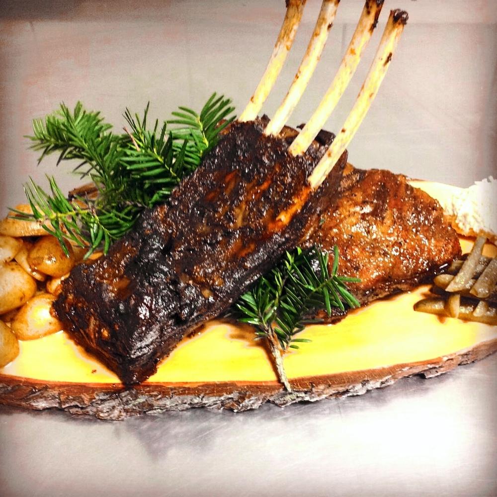 Pikantné pečené divinové BBQ rebrá