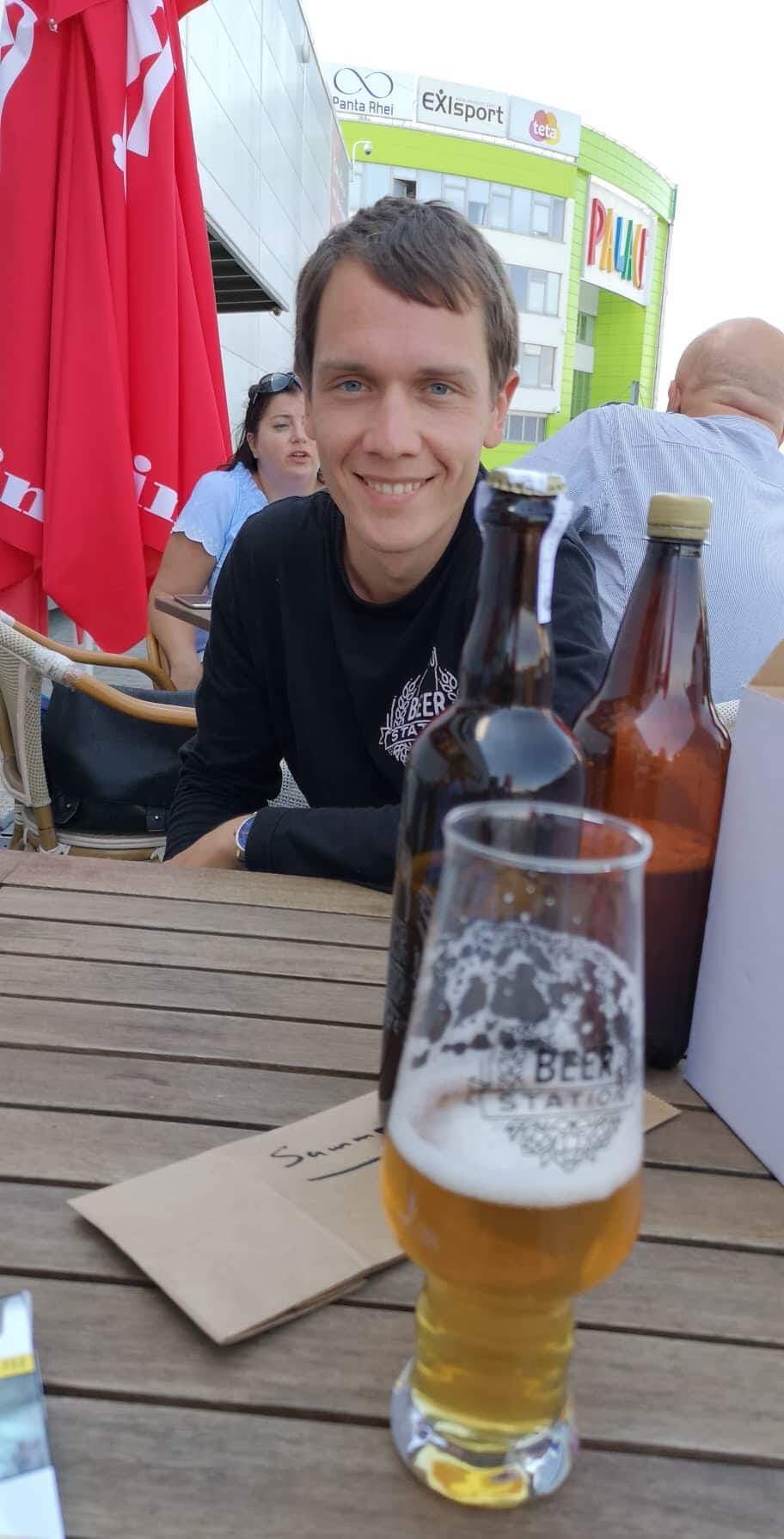 Majiteľ Beer Station, Artem