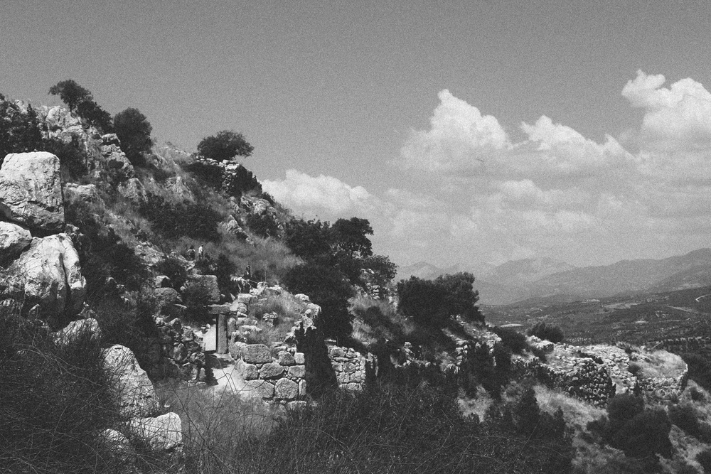 Photo 1.  The rear gate and ruins of ancient Mycenae.  Mycenae, Greece, 2014.