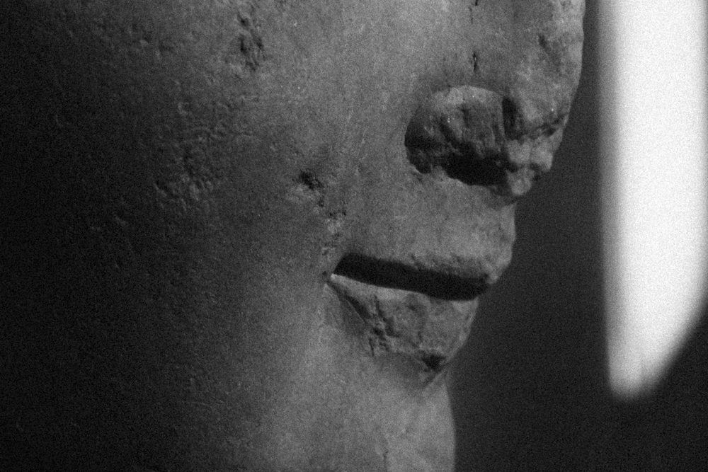 Photo 68. Detail of marble statue.  National Archaeological Museum, Greece, 2014.