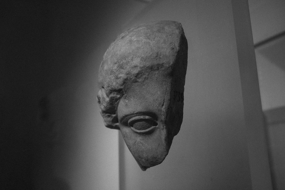 Photo 70. Fragment of marble statue.  National Archaeological Museum, Greece, 2014.