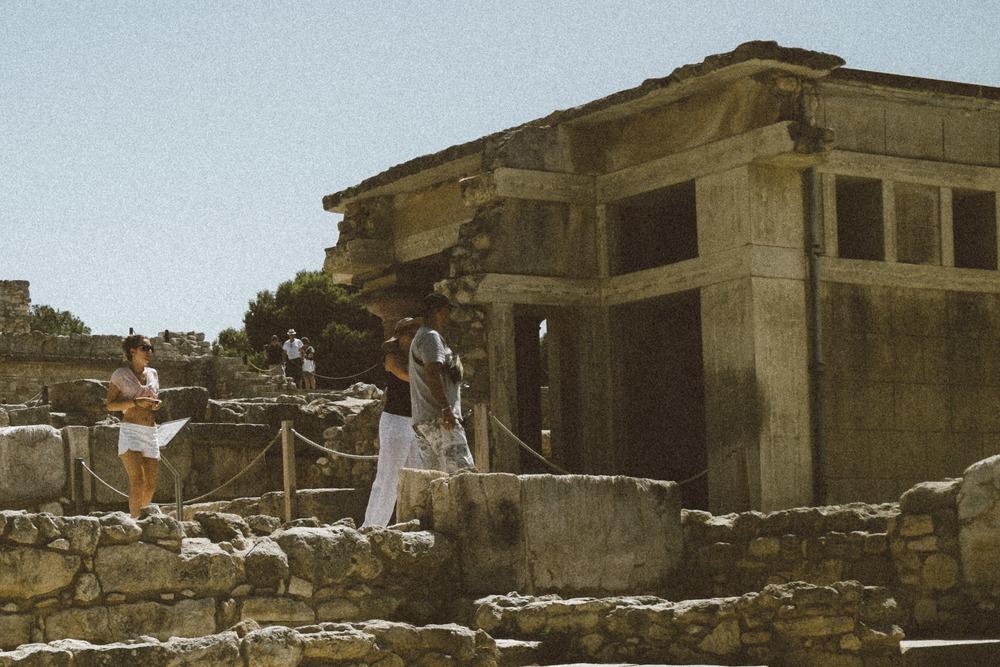 Beachcomber at Knossos