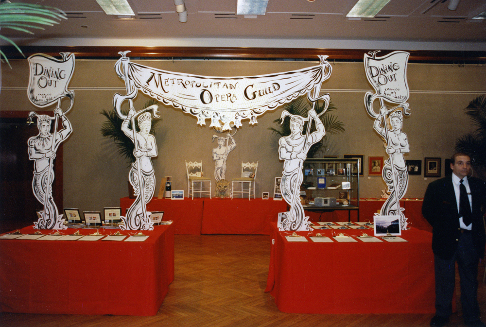 Metropolitan Opera Guild: event decor and installation.