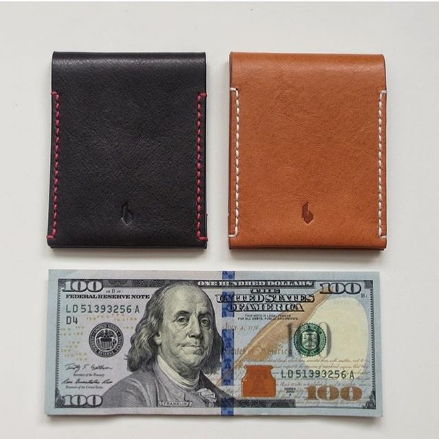 Just the perfect size and thickness. Fits in the palm of your hand. #minimalist #wallets #vonvantage