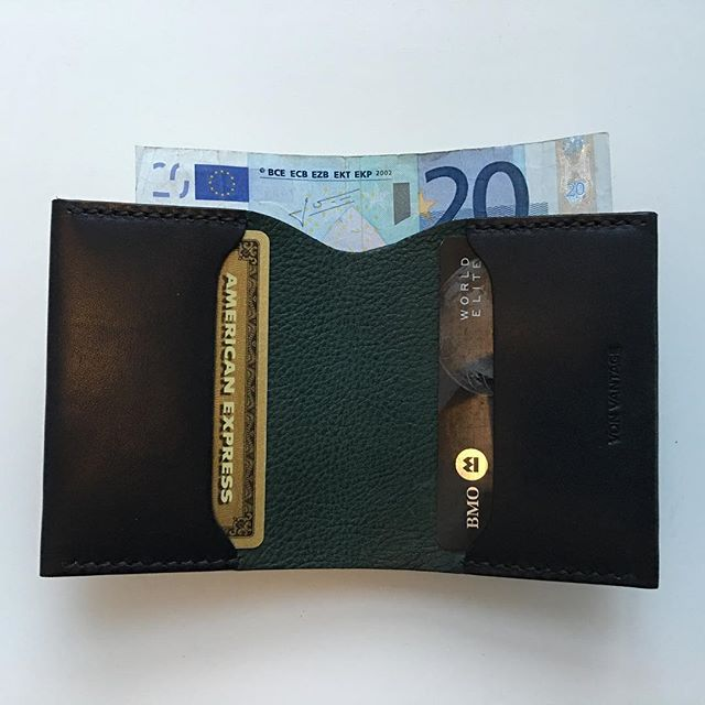 International. #minimalistwallets
