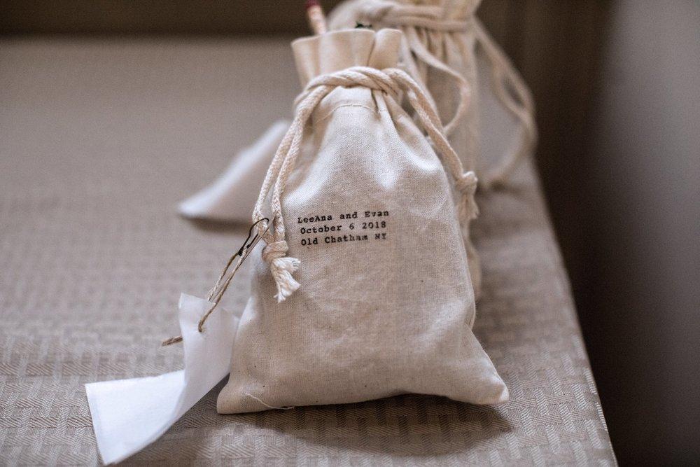 Branding Graphic Design   Waste-free Wedding