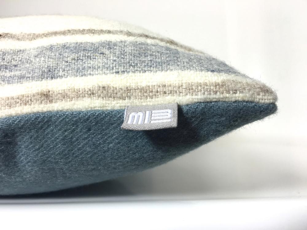 Kussens Blauw Grijs : Blauwgrijs berber kussen met stof uit marrakesh u made by mimi