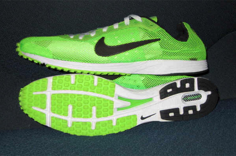 WOMEN'S SHOES COLOR: LIME/GREEN & BLACK SIZE: 6, 10 Please submit the order form below to purchase item.