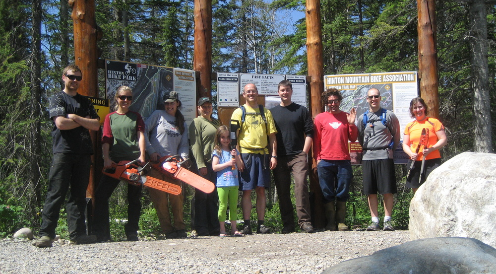 "Volunteers for the building of the advanced flow trail ""Stinger"" in summer of 2013."