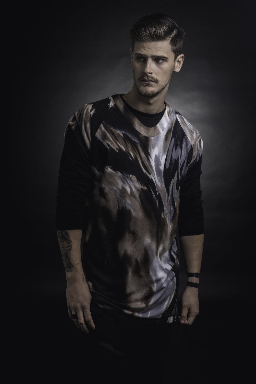 zaramia-ava-zaramiaava-leeds-fashion-designer-ethical-sustainable-taupe-versatile-drape-menswear-print-tshirt-top-layer-1