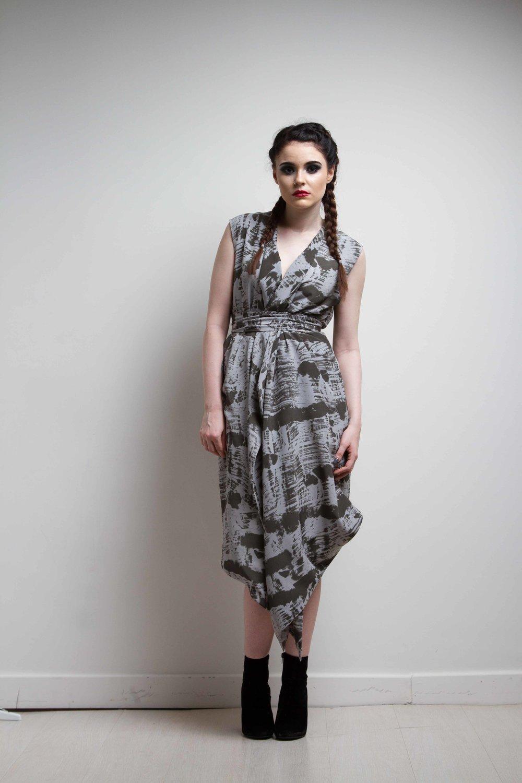 zaramia-ava-zaramiaava-leeds-fashion-designer-ethical-sustainable-black-versatile-drape-wrap-dress-cowl-print-dress-kyo-womenswear-belt-grunge-7