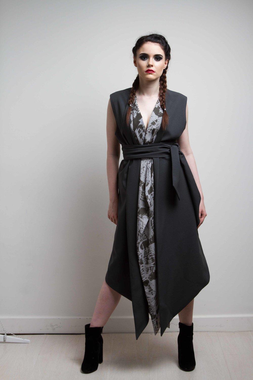 zaramia-ava-zaramiaava-leeds-fashion-designer-ethical-sustainable-grey-versatile-drape-wrap-dress-cowl-print-dress-kyo-womenswear-belt-grunge-noa-8