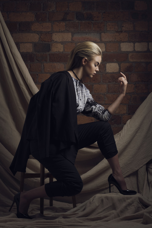 zaramia-ava-zaramiaava-leeds-fashion-designer-ethical-sustainable-glasses-versatile-drape-wrap-top-wrap-top-jacket-mio-black-white-grey-styling-hat-studio-womenswear-photoshoot-trousers-10