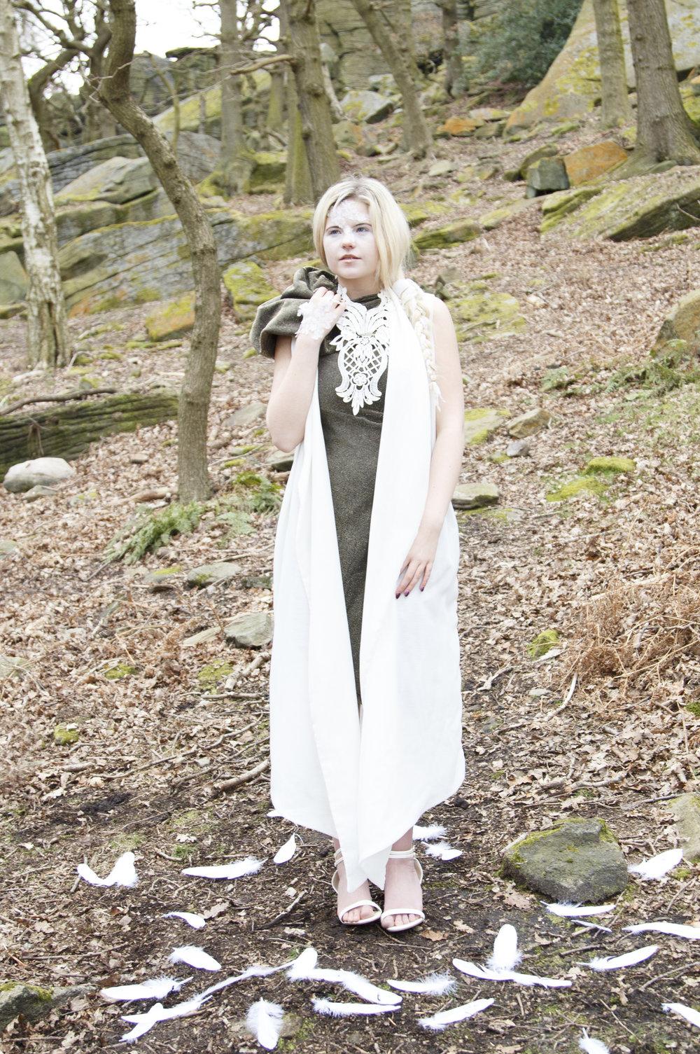zaramia-ava-zaramiaava-leeds-fashion-designer-ethical-sustainable-smoke-versatile-drape-wrap-gold-cowl-white-dress-styling-location-womenswear-models-photoshoot-location-lace-2
