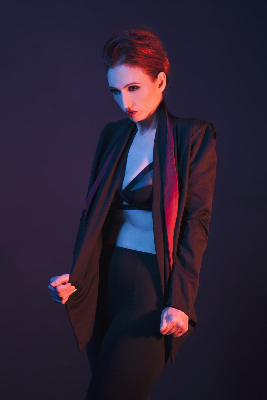 zaramia-ava-zaramiaava-leeds-fashion-designer-ethical-sustainable-red-versatile-drape-wrap-aya-cowl-dress-styling-studio-womenswear-models-photoshoot-black-colour-4