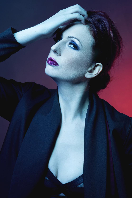zaramia-ava-zaramiaava-leeds-fashion-designer-ethical-sustainable-red-versatile-drape-wrap-aya-cowl-dress-styling-studio-womenswear-models-photoshoot-black-colour-5