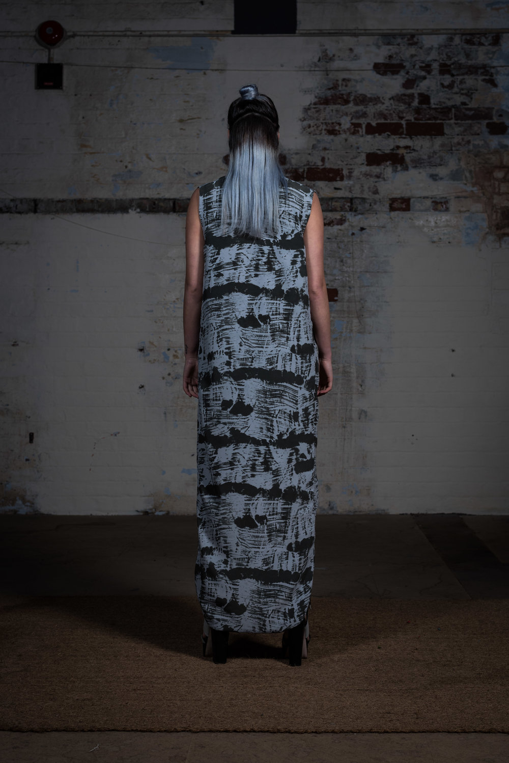 zaramia-ava-zaramiaava-leeds-fashion-designer-ethical-sustainable-sora-maxi-minimalist-print-dress-versatile-drape-skirt-grey-yuko-cowl-dress-styling-location-womenswear-models-photoshoot-18
