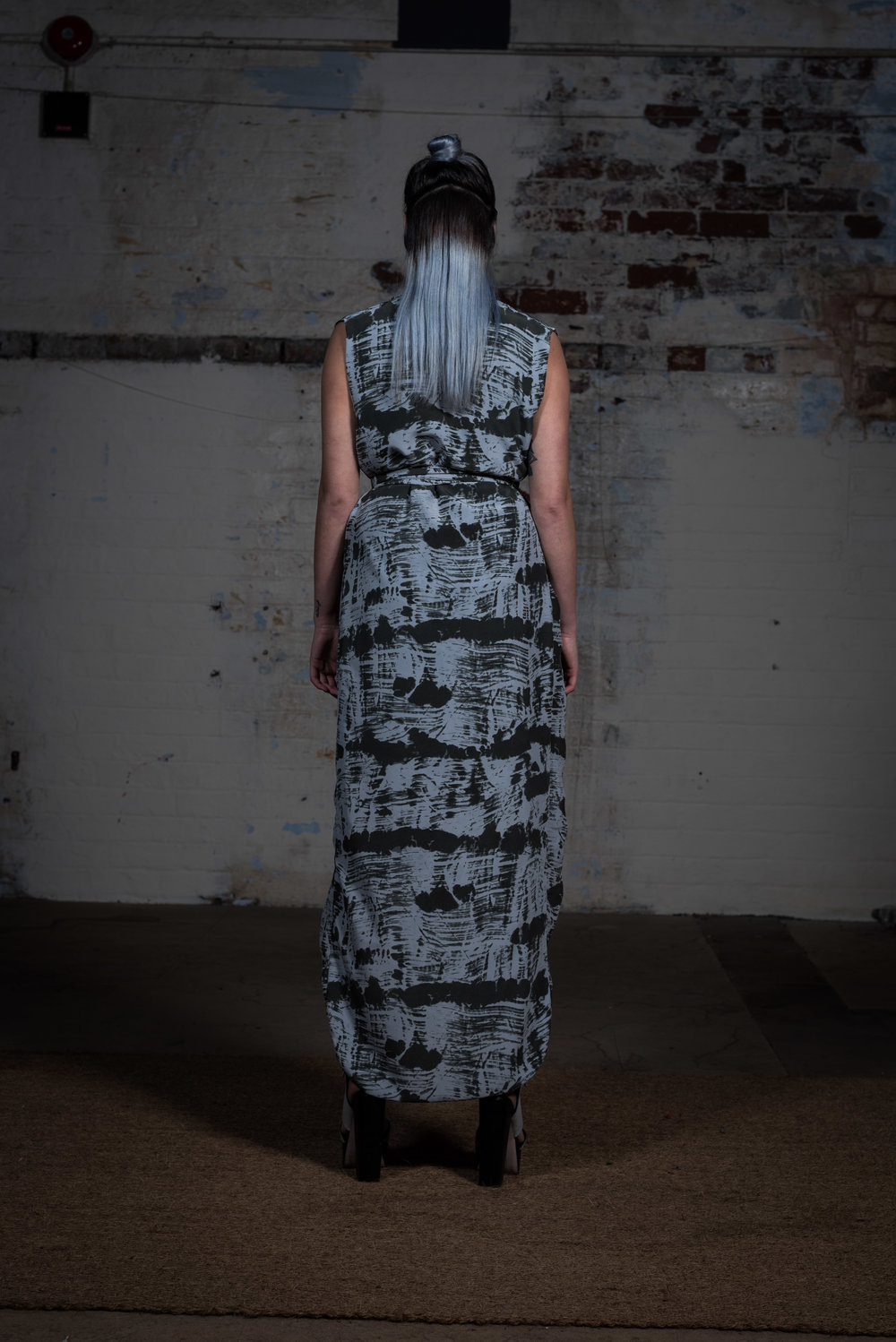 zaramia-ava-zaramiaava-leeds-fashion-designer-ethical-sustainable-sora-maxi-minimalist-print-dress-versatile-drape-skirt-grey-yuko-cowl-dress-styling-location-womenswear-models-photoshoot-21