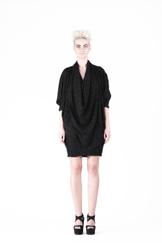 zaramia-ava-zaramiaava-leeds-fashion-designer-ethical-sustainable-tailored-minimalist-aya-aoi-black-dress-belt-dress-versatile-texture-obi-drape-cowl-styling-womenswear-models-photoshoot-73