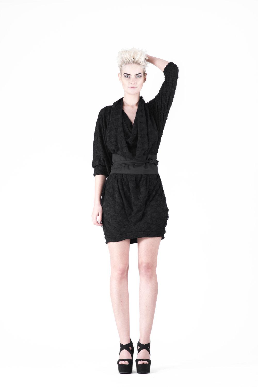zaramia-ava-zaramiaava-leeds-fashion-designer-ethical-sustainable-tailored-minimalist-aya-aoi-black-dress-belt-dress-versatile-texture-obi-drape-cowl-styling-womenswear-models-photoshoot-79