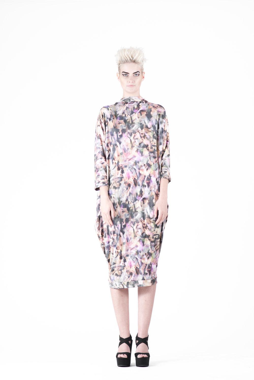 zaramia-ava-zaramiaava-leeds-fashion-designer-ethical-sustainable-tailored-minimalist-aya-print-dress-versatile-drape-cowl-styling-womenswear-models-photoshoot-26