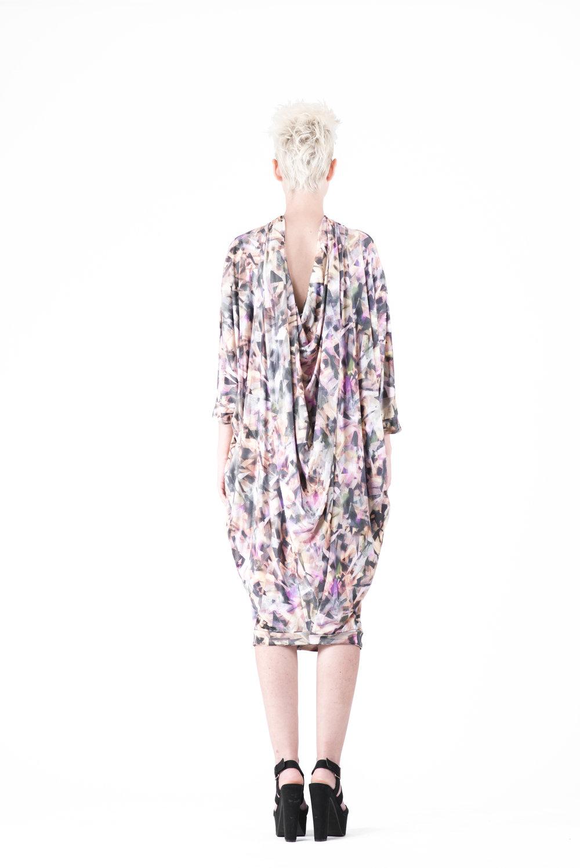 zaramia-ava-zaramiaava-leeds-fashion-designer-ethical-sustainable-tailored-minimalist-aya-print-dress-versatile-drape-cowl-styling-womenswear-models-photoshoot-27