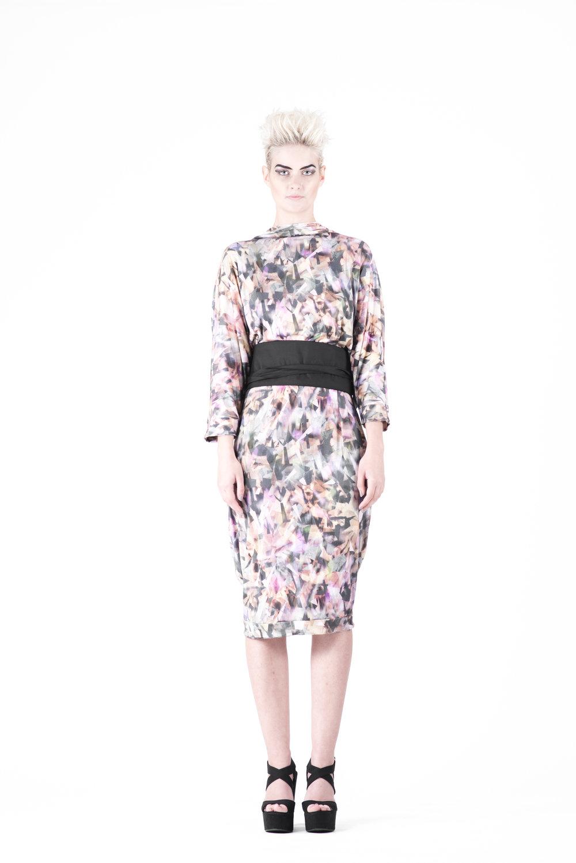 zaramia-ava-zaramiaava-leeds-fashion-designer-ethical-sustainable-tailored-minimalist-aya-print-dress-versatile-drape-cowl-styling-womenswear-models-photoshoot-28