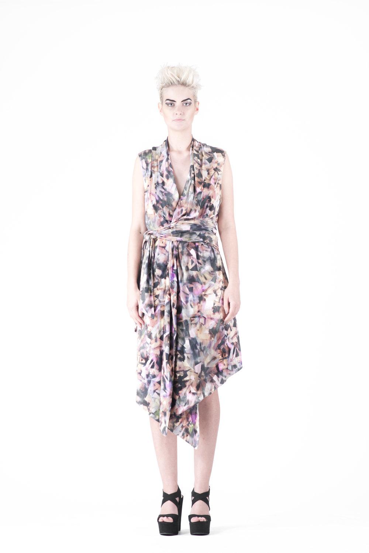 zaramia-ava-zaramiaava-leeds-fashion-designer-ethical-sustainable-tailored-minimalist-emika-print-dress-versatile-drape-cowl-styling-womenswear-models-photoshoot-34