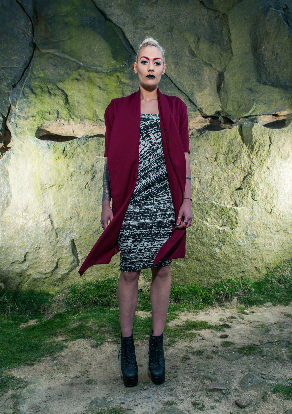 zaramia-ava-zaramiaava-leeds-fashion-designer-ethical-sustainable-tailored-minimalist-red-black-white-print-fitted-point skirt-mai-versatile-drape-cowl-styling-womenswear-models-photoshoot-location-31