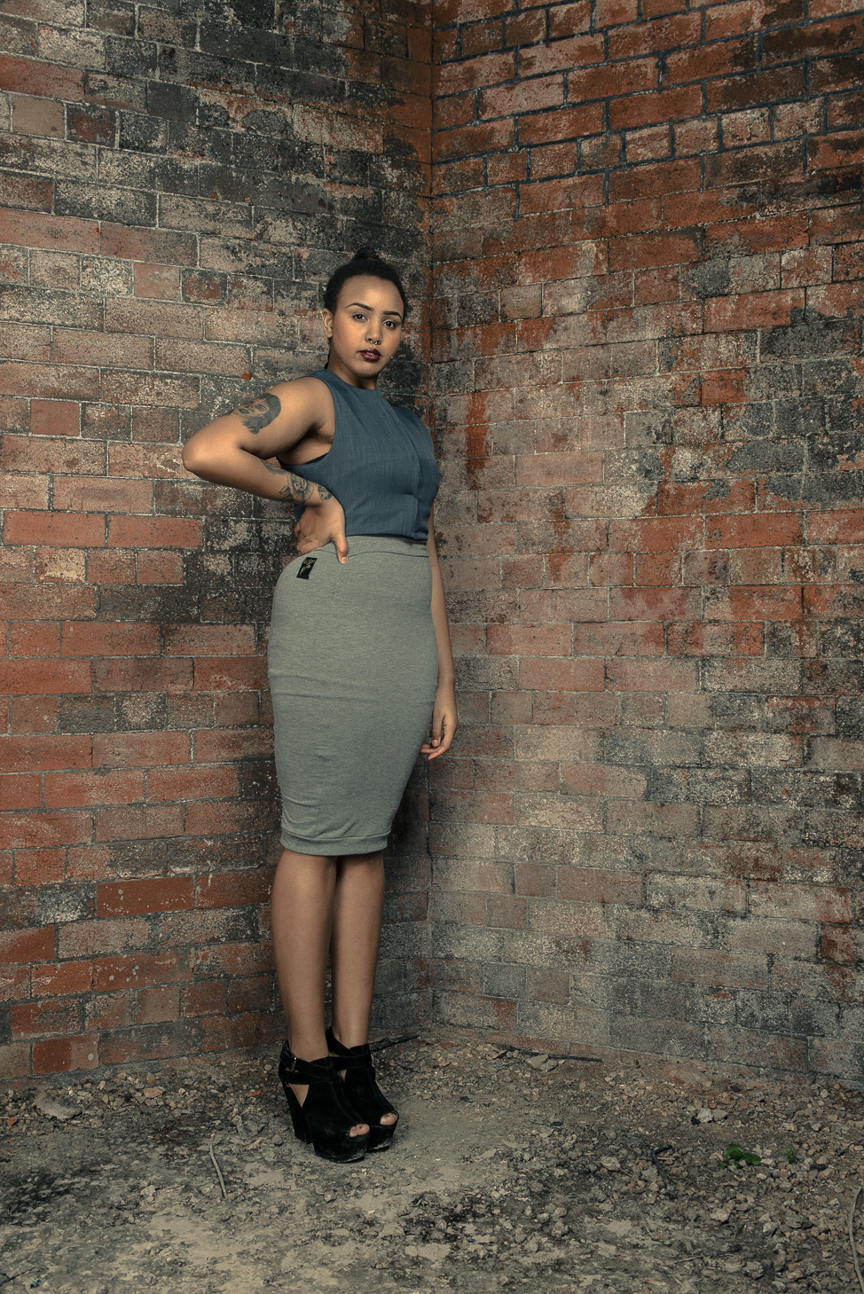 zaramia-ava-zaramiaava-leeds-fashion-designer-ethical-sustainable-tailored-minimalist-skirt-bandeau-maxi-versatile-drape-grey-bodysuit-black-obi-belt-wrap-shirt-cowl-styling-womenswear-models-34