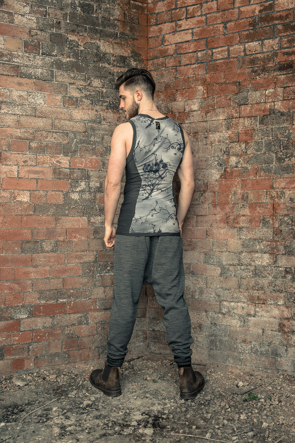 zaramia-ava-zaramiaava-leeds-fashion-designer-ethical-sustainable-tailored-minimalist-stripe-fitted-versatile-drape-grey-tshirt-top-vest-hareem-trousers-black-grey-texture-styling--16