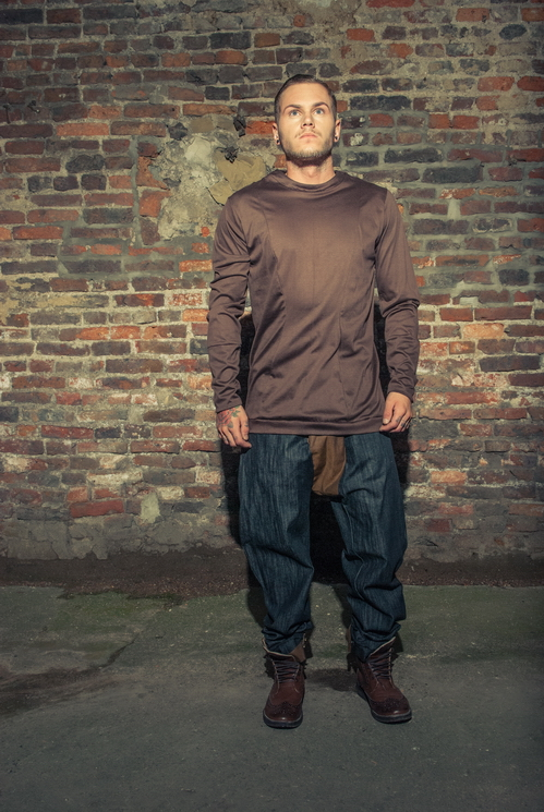 zaramia-ava-zaramiaava-leeds-fashion-designer-ethical-sustainable-tailored-minimalist-versatile-drape-grey-taupe-tshirt-top-jumper-hareem-trousers-brown-denim-trousers-styling-menswear-model--32