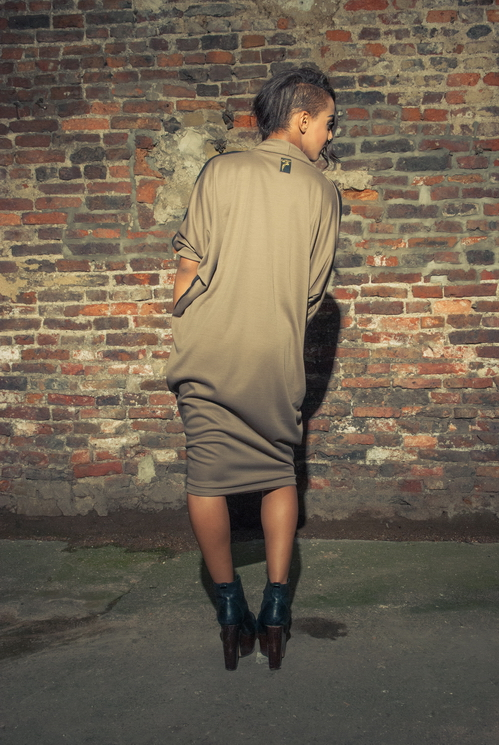 zaramia-ava-zaramiaava-leeds-fashion-designer-ethical-sustainable-tailored-minimalist-versatile-drape-wrap-dress-cowl-bodysuit-aya-midi-panels-print-belt-styling-womenswear-model-photoshoot--86