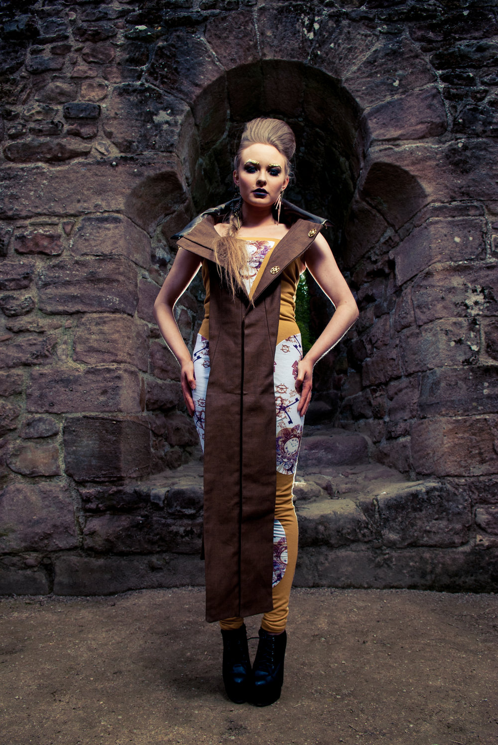 zaramia-ava-zaramiaava-leeds-fashion-designer-ethical-sustainable-tailored-minimalist-versatile-drape-wrap-top-cowl-bodysuit-bandeau-skirt-jumpsuit-panels-print-belt-styling-womenswear-model-3