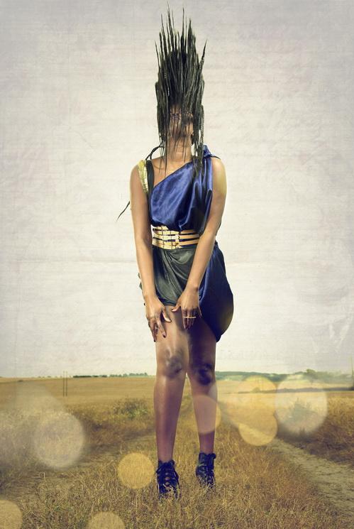 zaramia-ava-zaramiaava-leeds-fashion-designer-ethical-sustainable-tailored-minimalist-versatile-drape-wrap-dress-cowl-panels-print-belt-styling-womenswear-model-photoshoot-location-zara-mia-13