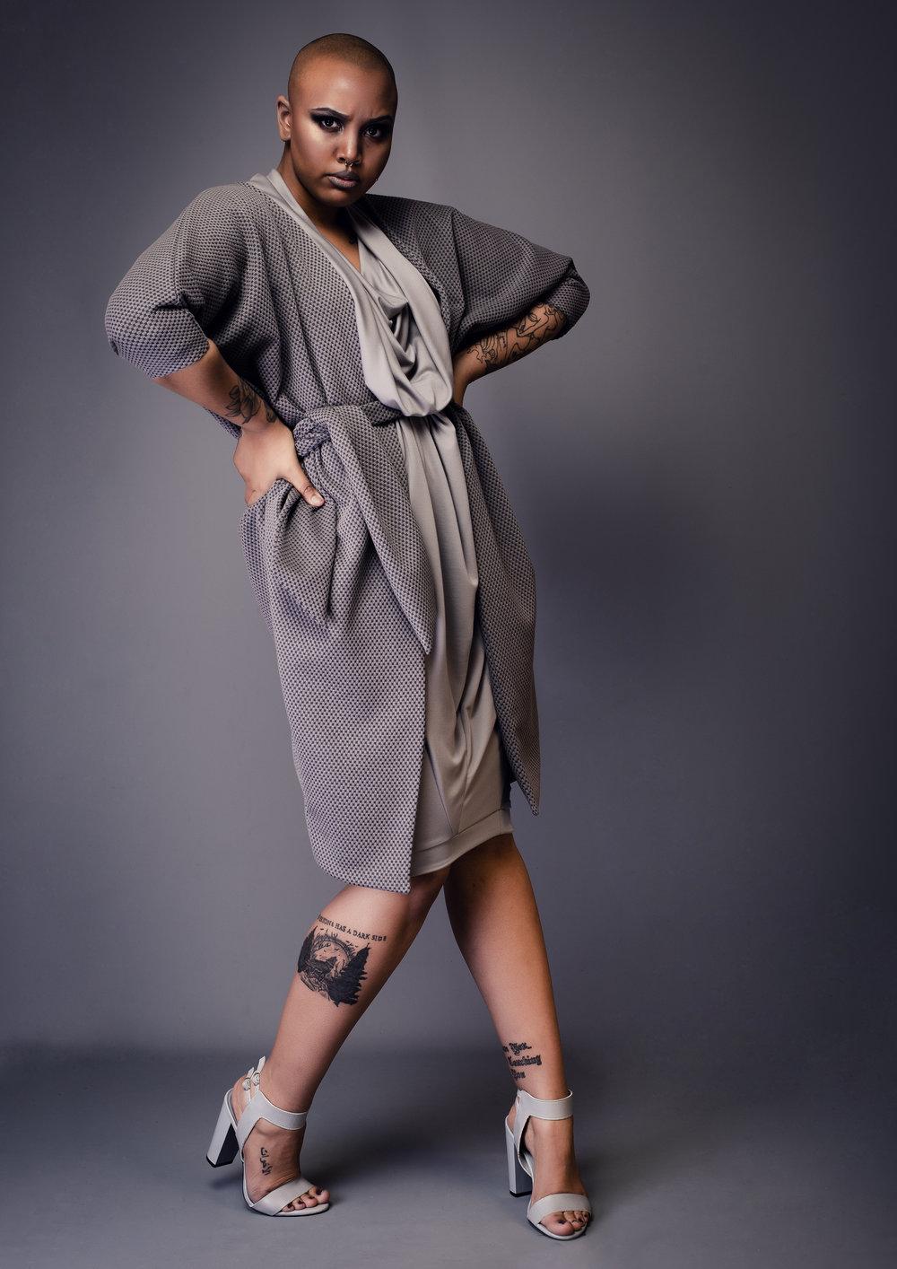 zaramia-ava-zaramiaava-leeds-fashion-designer-leedsfashiondesigner-stylist-leeds-stylist-leedsstylist-ethical-sustainable-minimalist-versatile-drape-wrap-grey-cowl-aya-ayame-print-styling-8