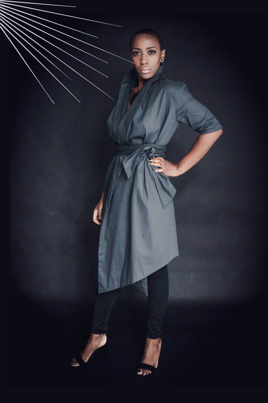 zaramia-ava-zaramiaava-leeds-fashion-designer-leedsfashiondesigner-stylist-leeds-stylist-leedsstylist-ethical-sustainable-minimalist-versatile-drape-mai--organiccotton-dress-jacket-grey-organic-rei-black-leggings-ethicalfashion-sustainablefashion-5.jpg