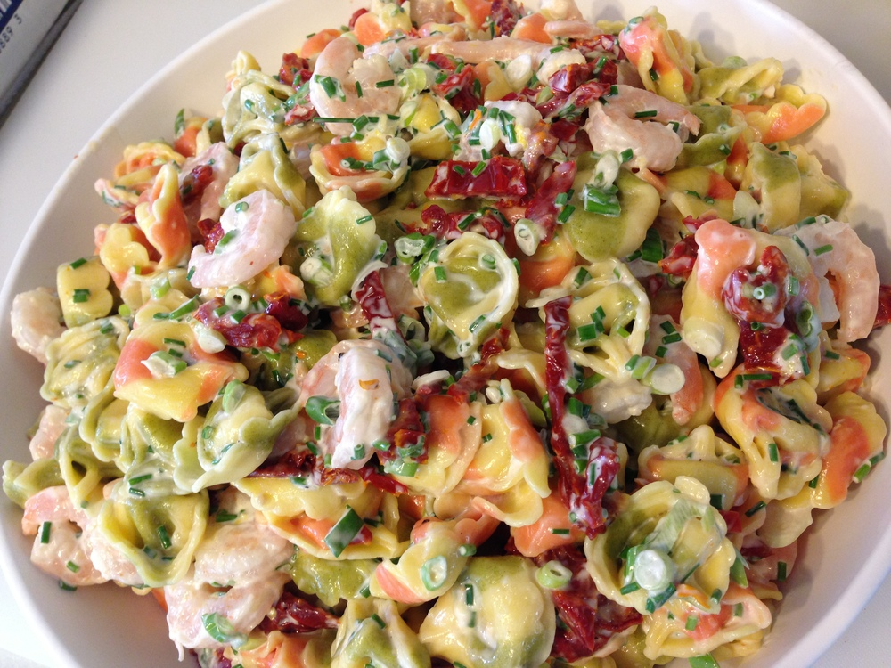 salad with shrimp and sundried tomatoes