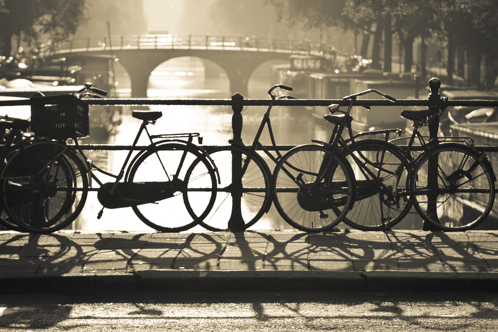 Amsterdam_bicycles_on_bridge-001.jpg