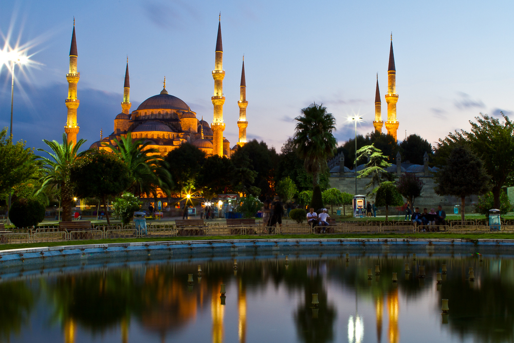 Istanbul_Blue_Mosque-001.jpg