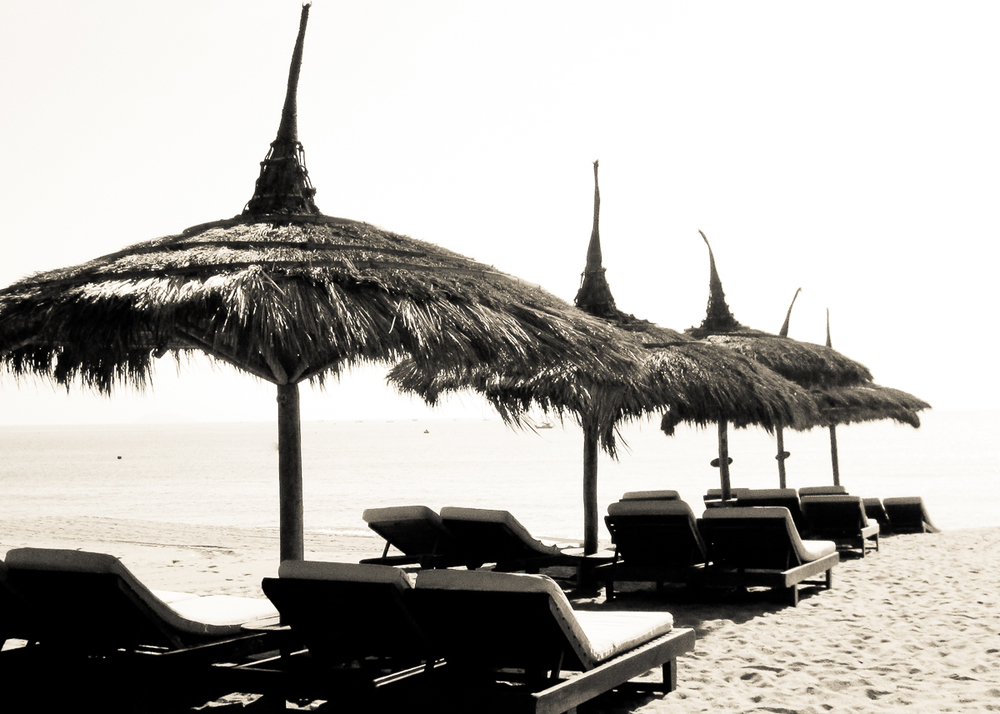 Vietnamese_beach_lounge_chairs-001.jpg